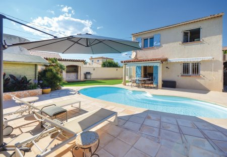Villa in Les Groules-Les Breguieres, the South of France