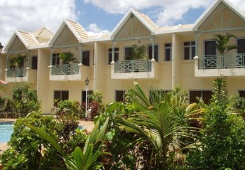 Villa in Mauritius, Flic en Flac Beach: 7 x 3 bedroom villas with shared pool access