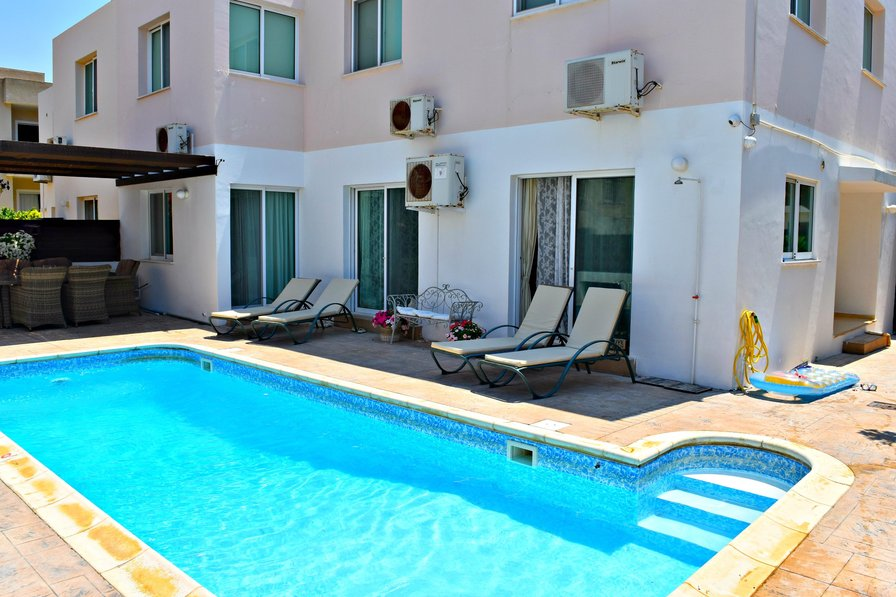 Kato Paphos - Universal - 3 Bed Apartment with Private Pool -Wifi