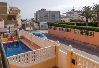 5 bedroom Villa for rent in Oliva