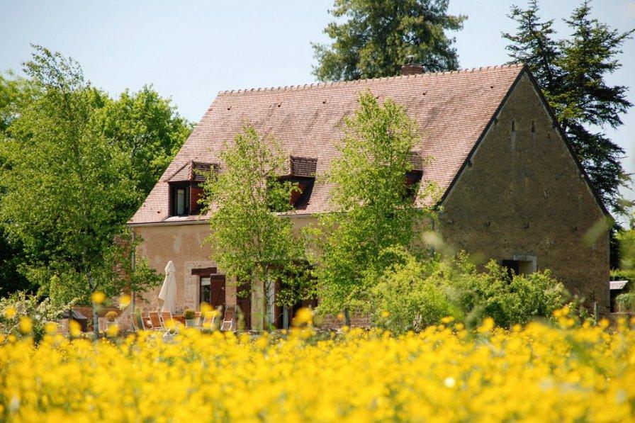 Villa in France, Moulins-Engilbert