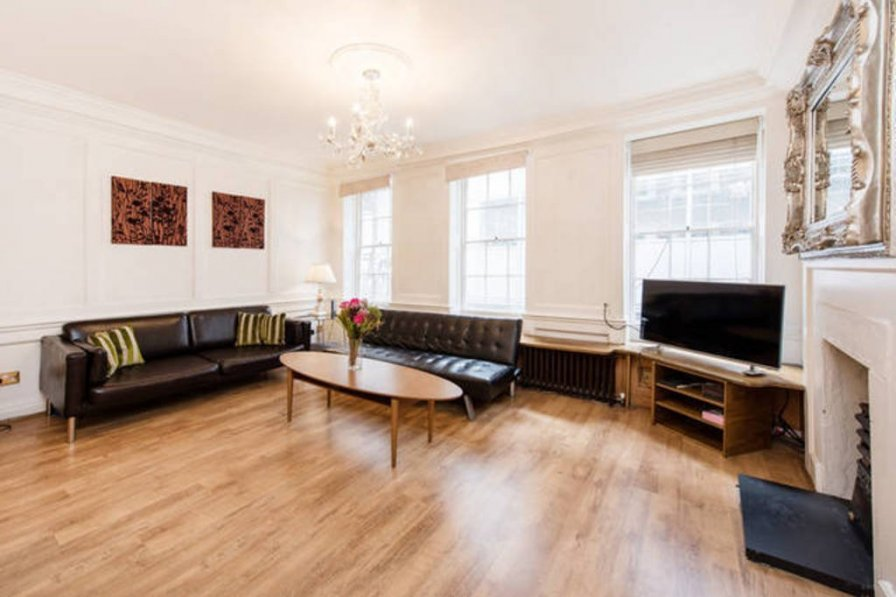 Authentic 3 bed Historic house Soho
