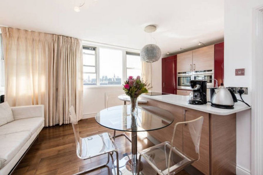 One bed flat Picadilly Circus