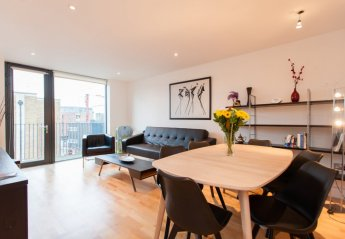 2 bedroom Apartment for rent in Greater London