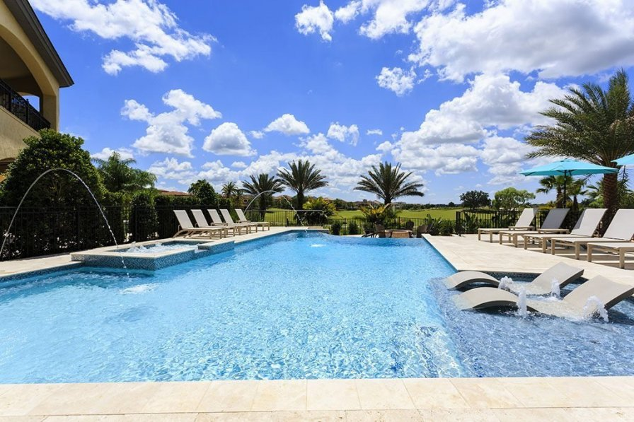 Villa To Rent In Kissimmee Florida With Shared Pool 221258