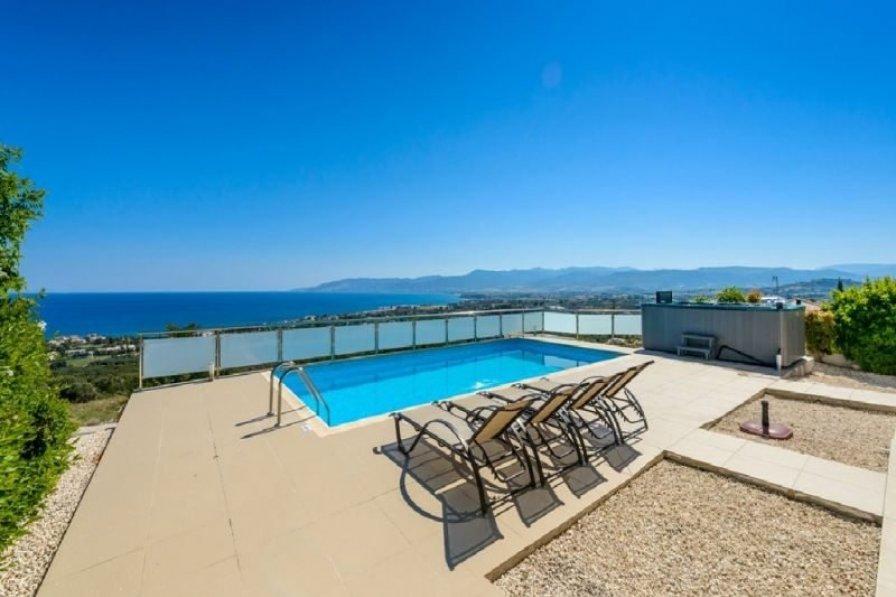"""Villa Calypso """"with Outdoor Hot Tub"""""""