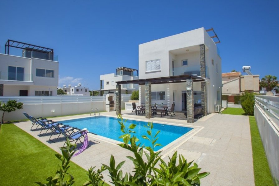 Protaras Holiday Villa Anemoni with Extra Large Private Pool
