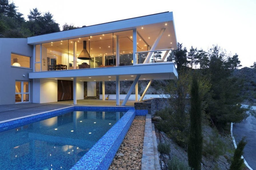 """Lioness Fountain """"Your 5 Star Villa in the Troodos Mountains"""""""