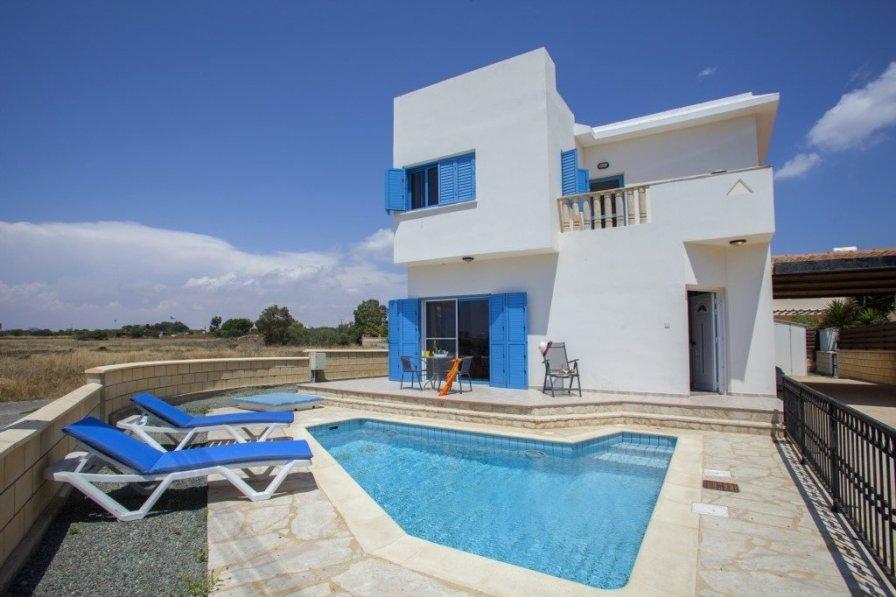 """Villa Chios """"1 km from Ayia Thekla Beach"""""""