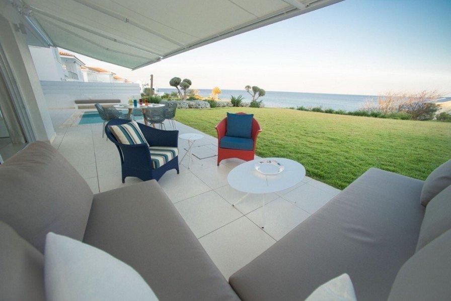 Sirina Seafront Villa. 7 Bed Super Luxury Villa