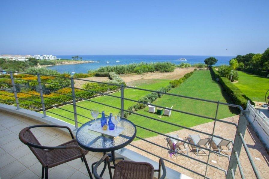 Protaras holiday villa rental with pool