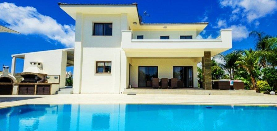 Ayia Napa holiday villa rental with private pool