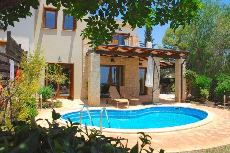 Villa with private pool in Kouklia