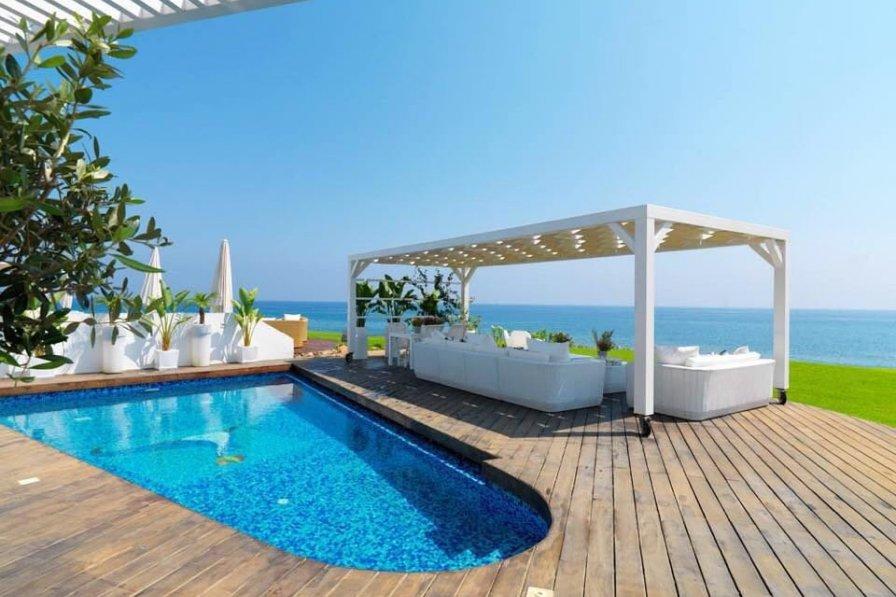 """Beachfront Dream Villa """"The Perfect Villa"""""""