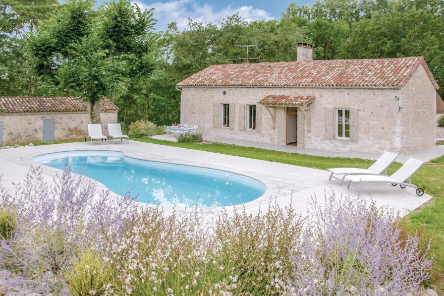 Villa in France, Sembas