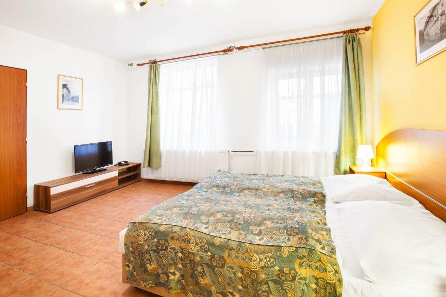 Duplex Apartment for 6 persons - Prague center