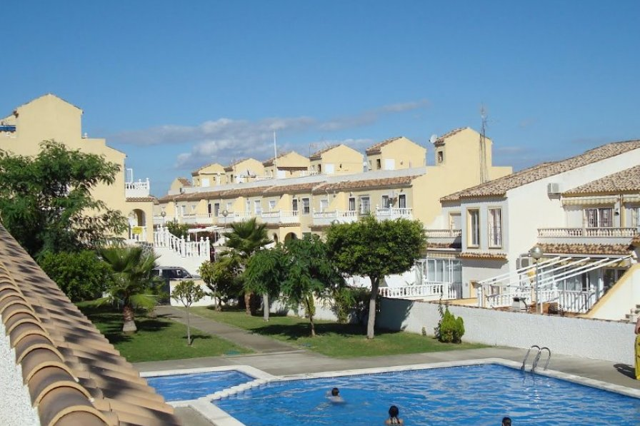 Apartment To Rent In Gran Alacant Spain With Pool 222102