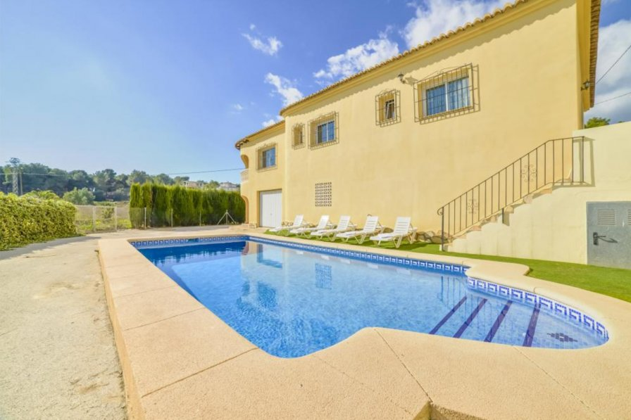 Apartment To Rent In Moraira Spain With Private Pool 222281