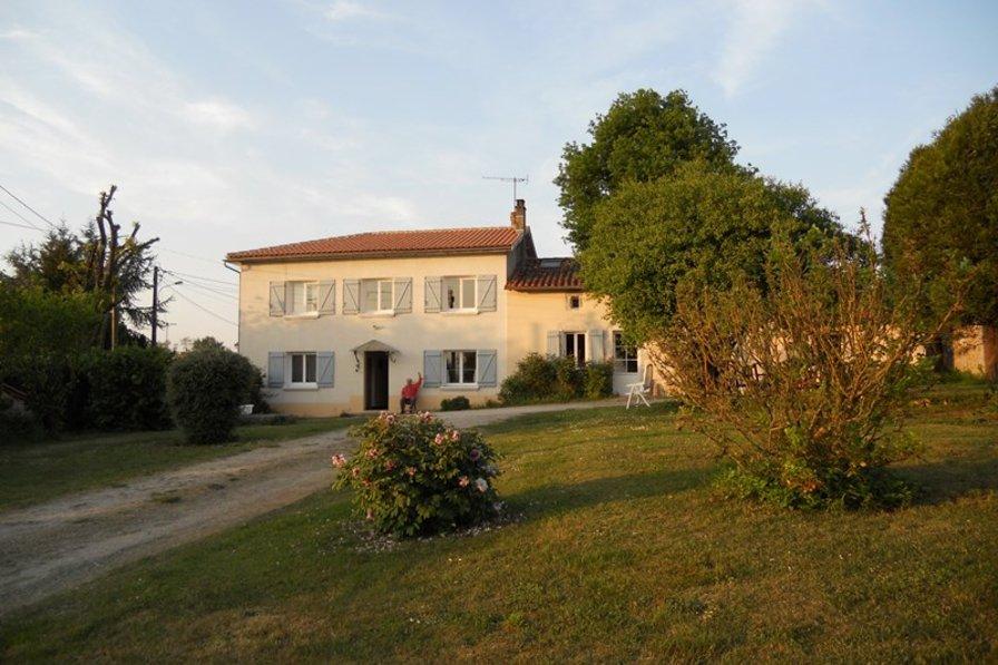 Farm house in France, Chasseneuil-sur-Bonnieure