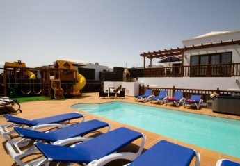4 bedroom Apartment for rent in Teguise