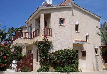 2 bedroom Villa for rent in Kato Paphos