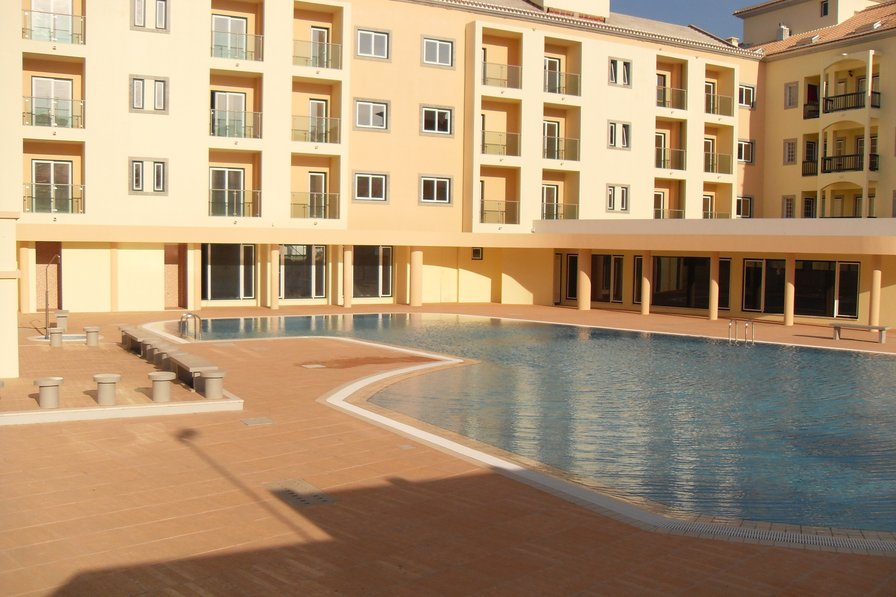 Owners abroad Spacious well equipped 3 Bedroom Apartment close to Montegordo