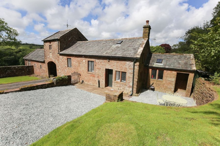 Ancient Gatehouse Cottage in Country House Estate
