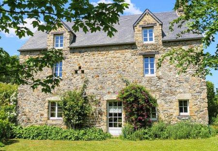 Villa in Monthuchon, France