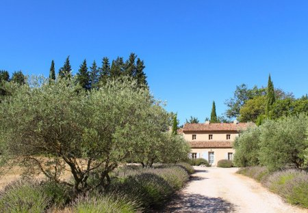 Villa in Beaurecueil, the South of France