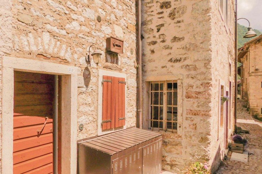 Villa in Italy, Erto