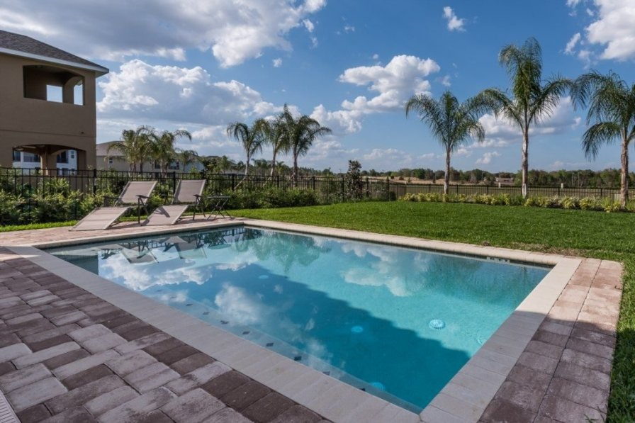villa to rent in kissimmee florida with private pool 224930. Black Bedroom Furniture Sets. Home Design Ideas