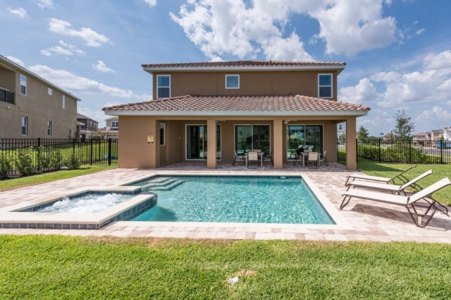 Villa To Rent In Kissimmee Florida With Shared Pool 224973