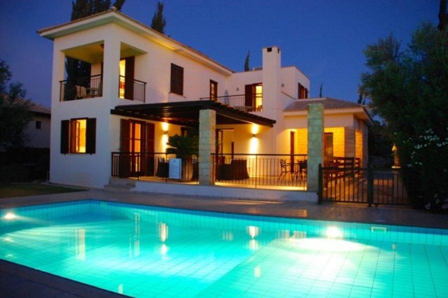 Kouklia holiday villa rental with shared pool