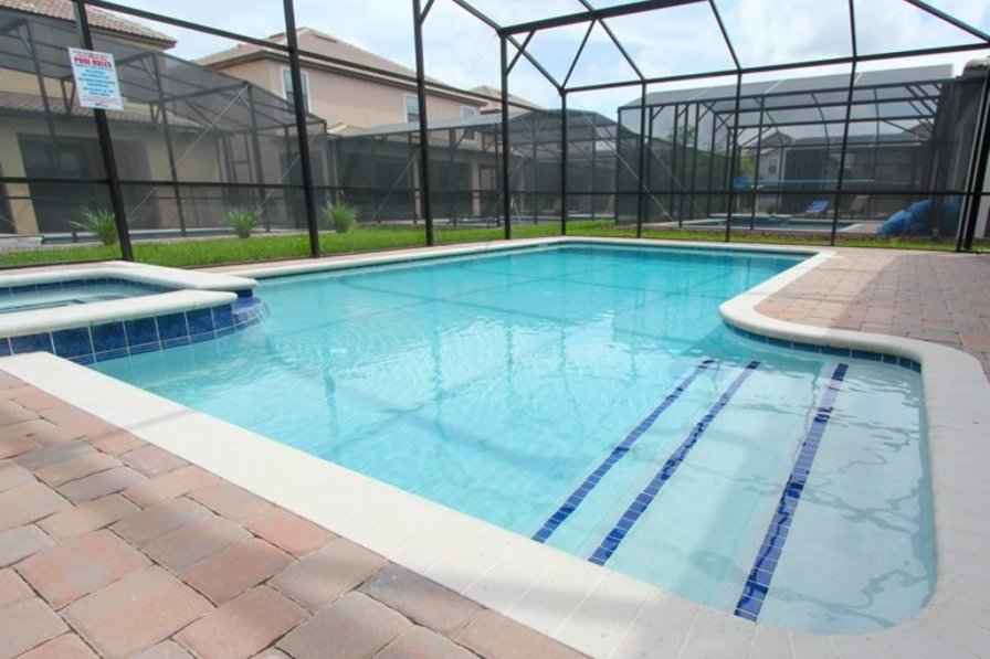 Villa rental in Davenport with shared pool