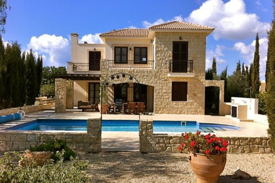 """""""How to Rent Your Perfect Luxury Cyprus Villa″- Lysos"""