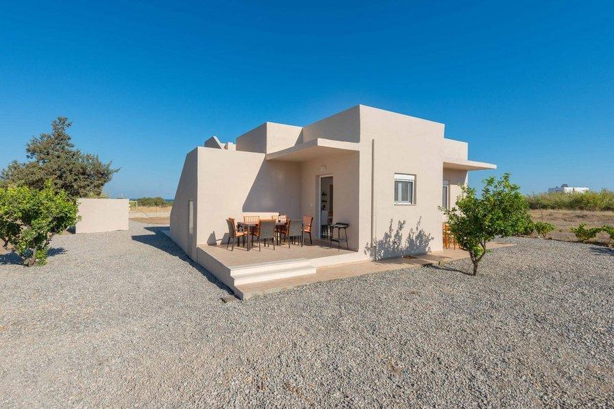 Serenity Gennadi villa 60 m from the beach
