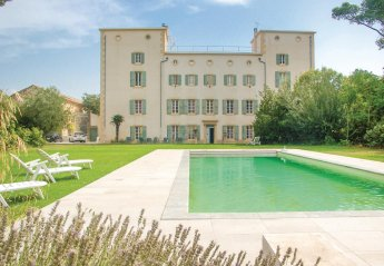 11 bedroom Villa for rent in Narbonne
