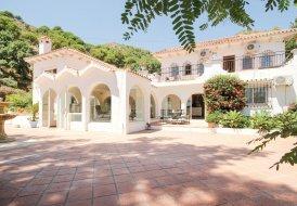 Villa in Ojén, Spain