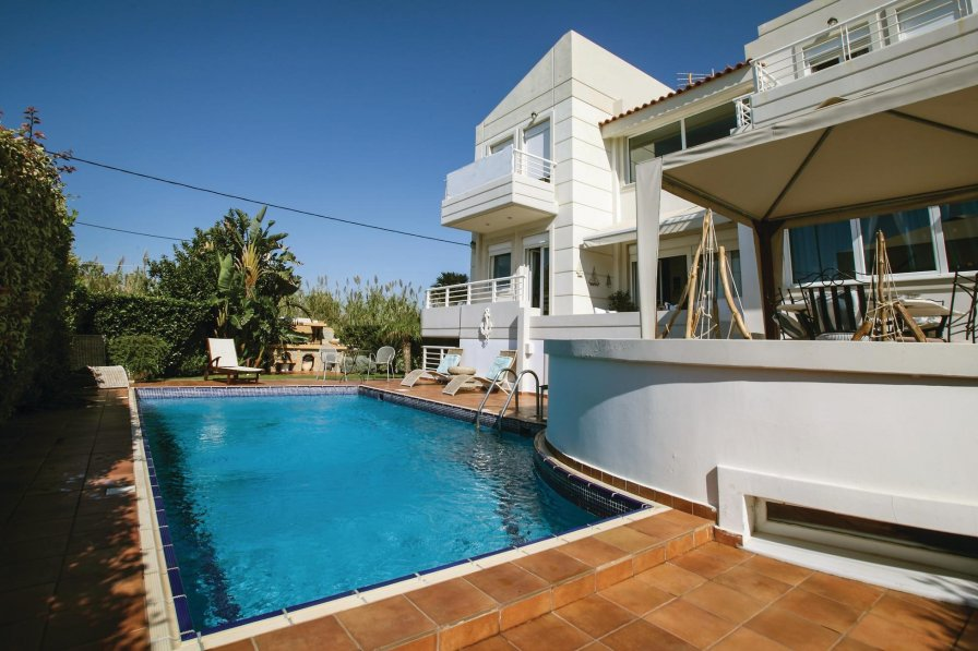 Holiday villa in Athens City with swimming pool