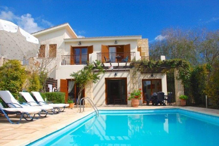 """How to Rent Your Perfect Aphrodite Hills Villa"" Loukia"