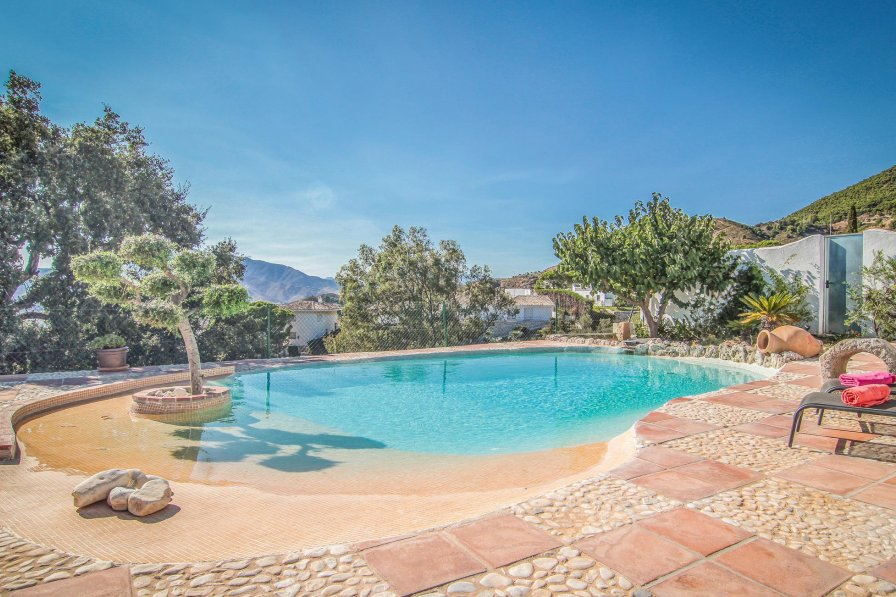 Villa To Rent In Mijas Spain With Swimming Pool 225755