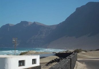 4 bedroom Cottage for rent in Caleta de Famara