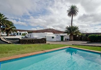 1 bedroom Villa for rent in Teguise