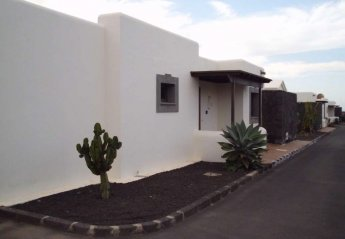 2 bedroom Villa for rent in San Marcial de Rubicon