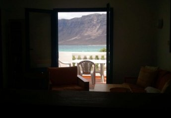 3 bedroom Villa for rent in Caleta de Famara