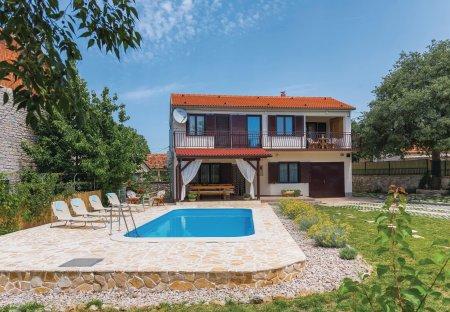 Villa in Oklaj, Croatia