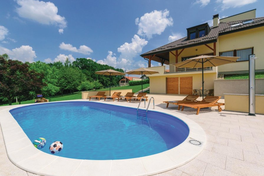 Villa To Rent In Starjak Croatia With Swimming Pool 226273