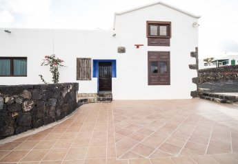 5 bedroom Apartment for rent in Teguise