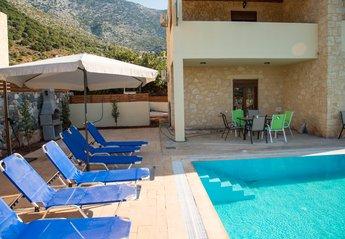 Villa in Greece, Vlichada