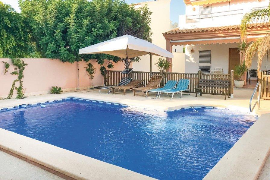 Villa in Spain, Urbanización San Ginés